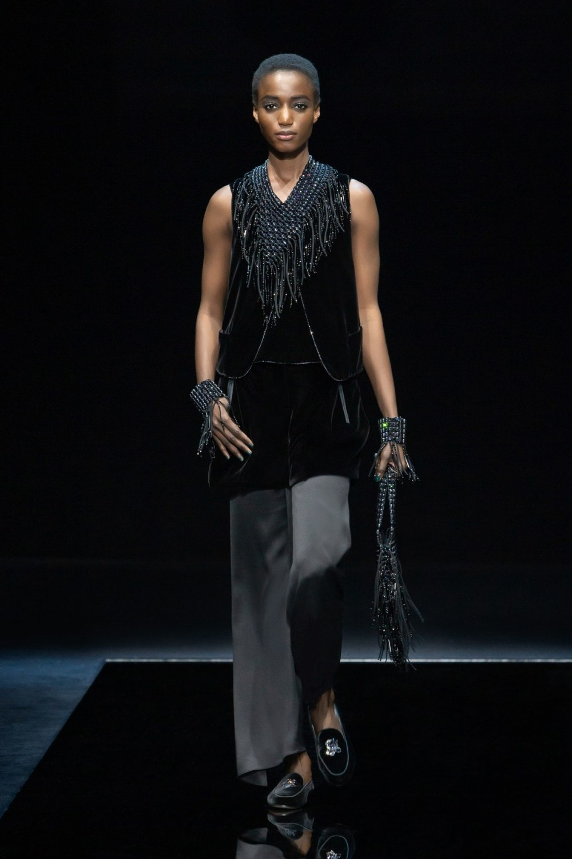 Armani: Giorgio Armani Fall Winter 2021-22 Fashion Show Photo #45