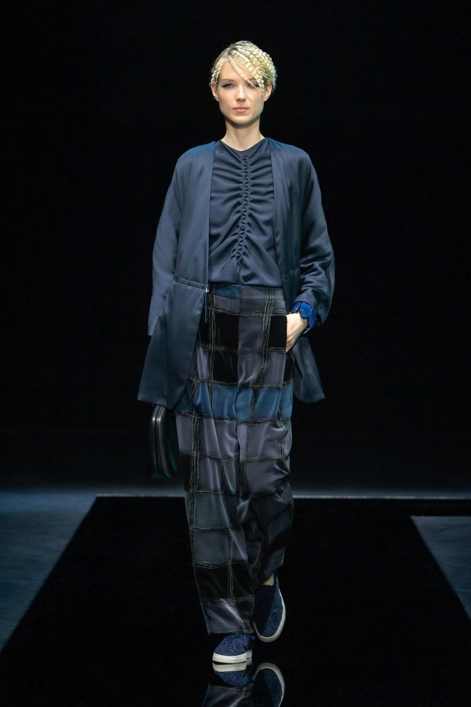 Armani: Giorgio Armani Fall Winter 2021-22 Fashion Show Photo #17