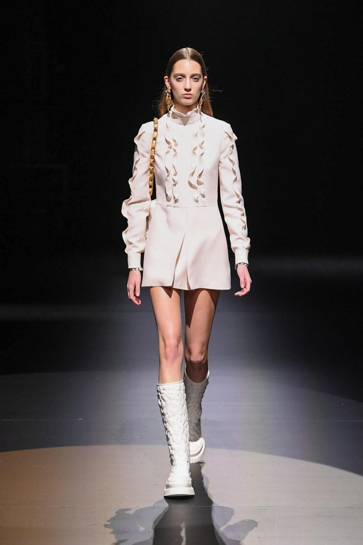 Valentino: Valentino Fall Winter 2021-22 Fashion Show Photo #31