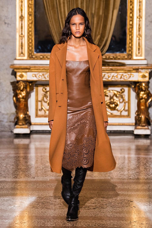 Ermanno Scervino: Ermanno Scervino Fall Winter 2021-22 Fashion Show Photo #12
