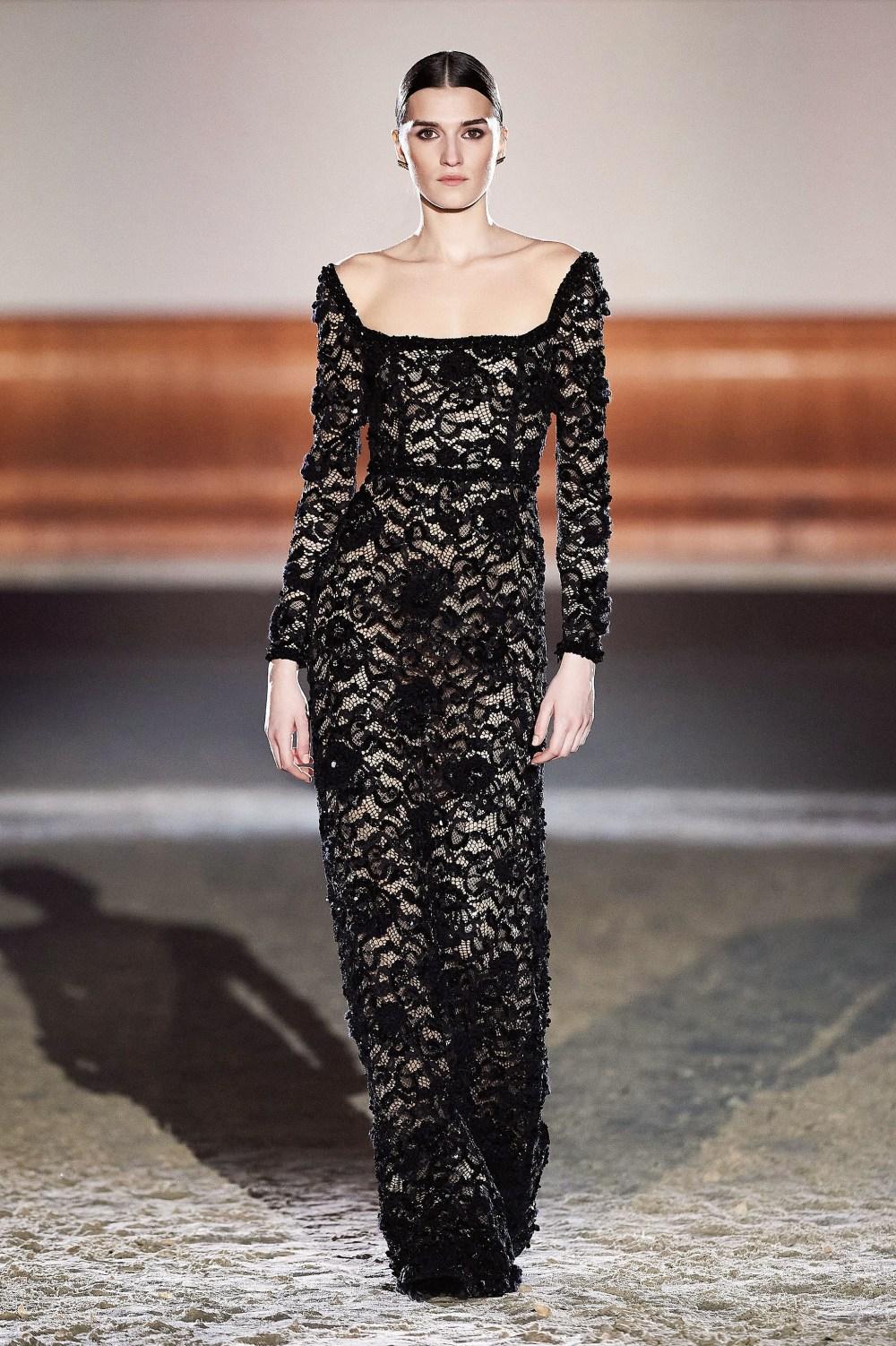 Elisabetta Franchi: Elisabetta Franchi Fall Winter 2021-22 Fashion Show Photo #55