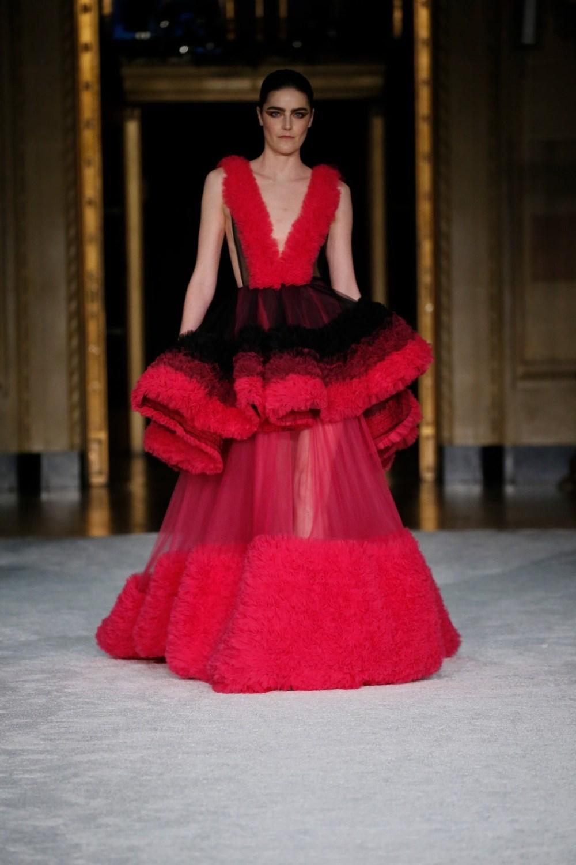 Christian Siriano: Christian Siriano Fall Winter 2021-22 Fashion Show Photo #48
