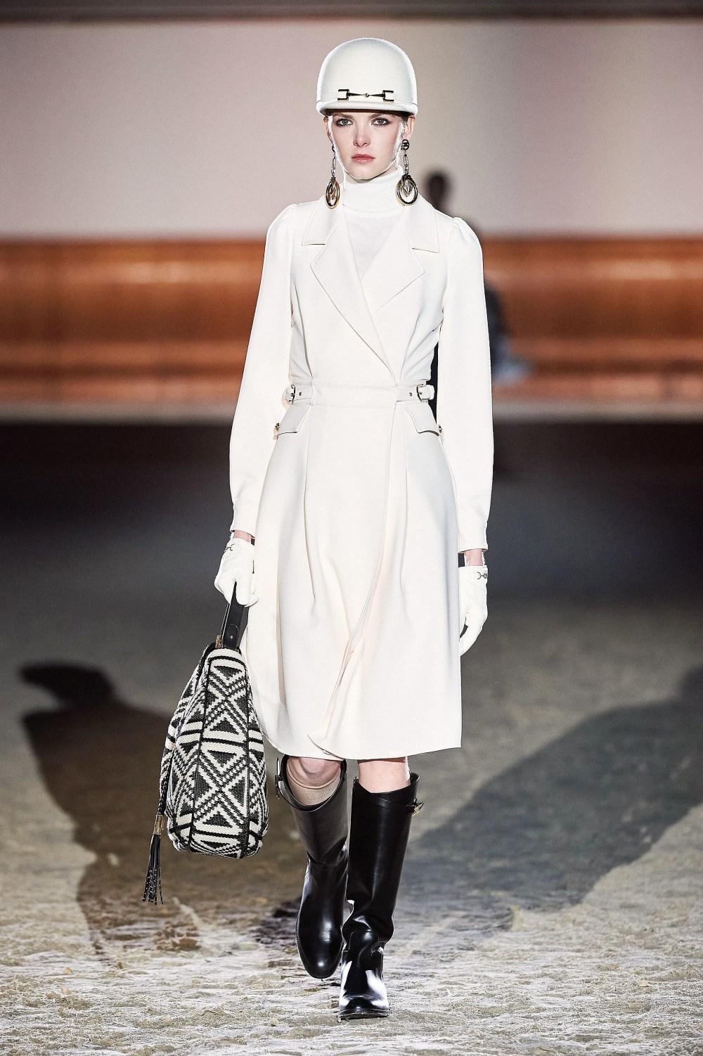 Elisabetta Franchi: Elisabetta Franchi Fall Winter 2021-22 Fashion Show Photo #51