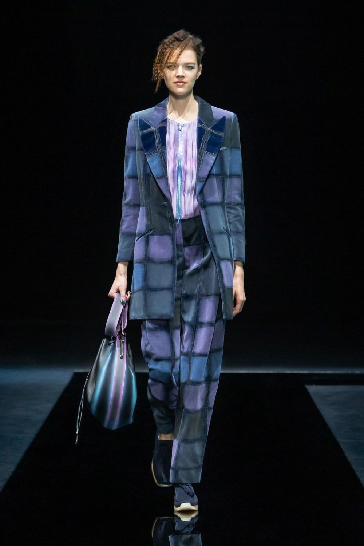Armani: Giorgio Armani Fall Winter 2021-22 Fashion Show Photo #16