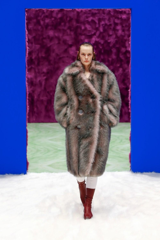 Prada: Prada Fall Winter 2021-22 Fashion Show Photo #29