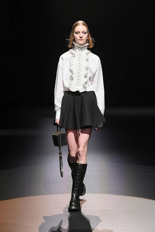 Valentino: Valentino Fall Winter 2021-22 Fashion Show Photo #12