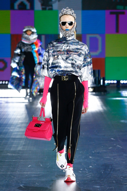 Dolce & Gabbana: Dolce & Gabbana Fall Winter 2021-22 Fashion Show Photo #7
