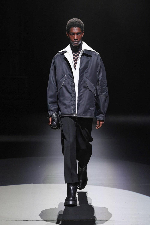 Valentino: Valentino Fall Winter 2021-22 Fashion Show Photo #43