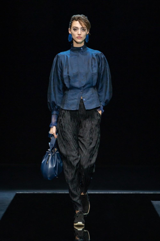 Armani: Giorgio Armani Fall Winter 2021-22 Fashion Show Photo #20