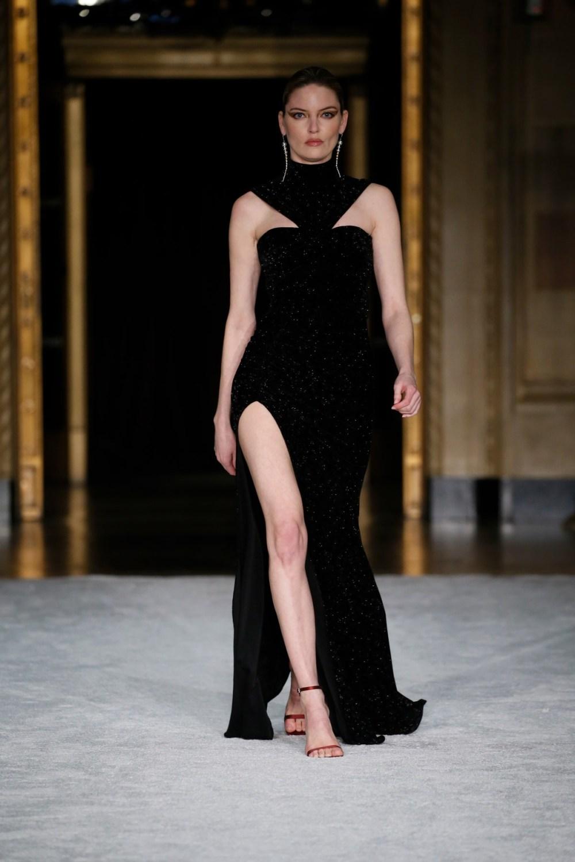 Christian Siriano: Christian Siriano Fall Winter 2021-22 Fashion Show Photo #46