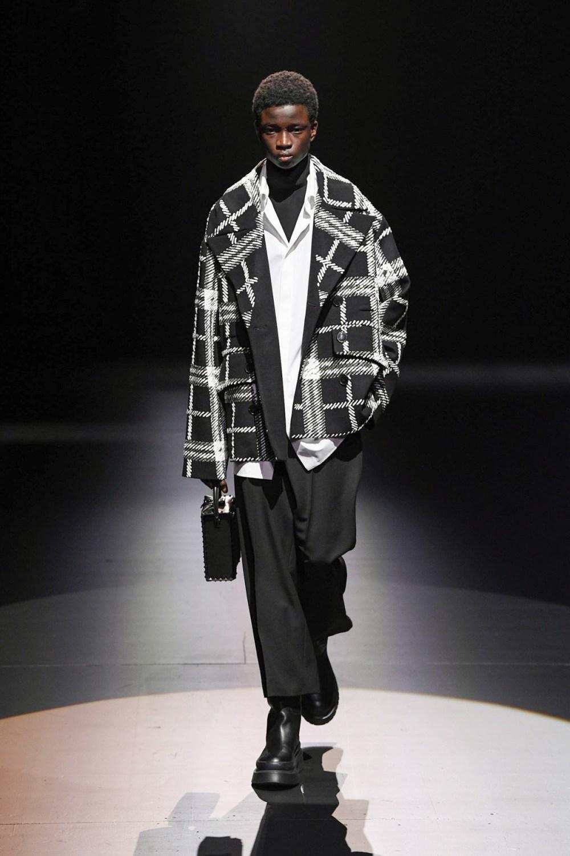 Valentino: Valentino Fall Winter 2021-22 Fashion Show Photo #22