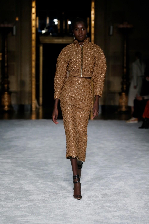 Christian Siriano: Christian Siriano Fall Winter 2021-22 Fashion Show Photo #5