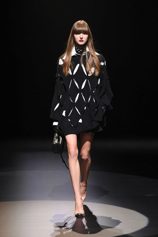 Valentino: Valentino Fall Winter 2021-22 Fashion Show Photo #7