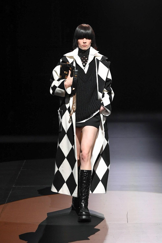 Valentino: Valentino Fall Winter 2021-22 Fashion Show Photo #4