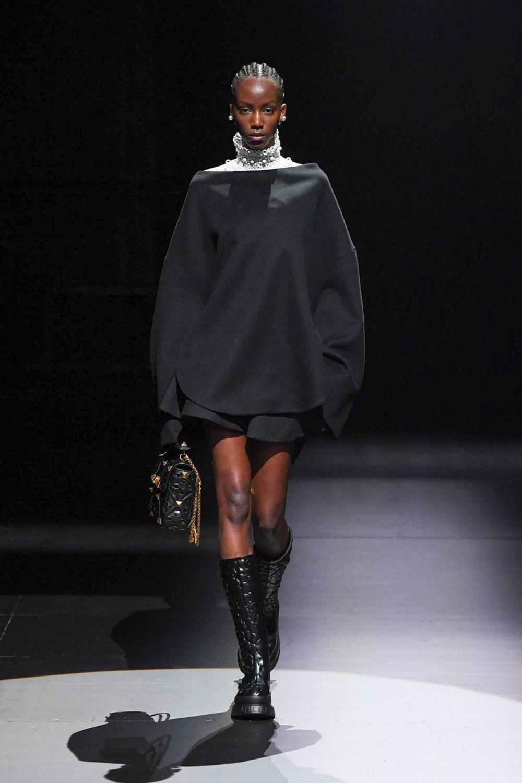 Valentino: Valentino Fall Winter 2021-22 Fashion Show Photo #46