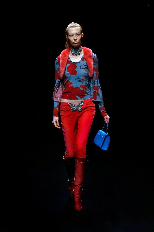 Blumarine: Blumarine Fall Winter 2021-22 Fashion Show Photo #18