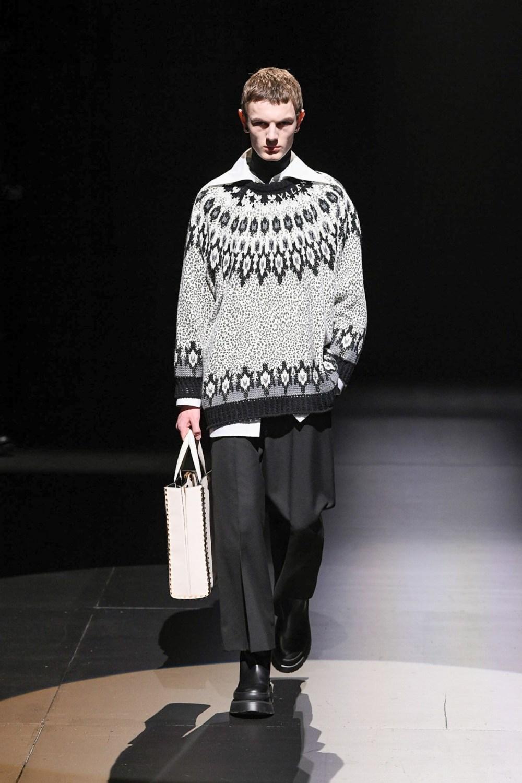 Valentino: Valentino Fall Winter 2021-22 Fashion Show Photo #47