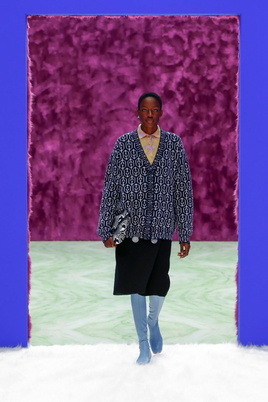 Prada: Prada Fall Winter 2021-22 Fashion Show Photo #18