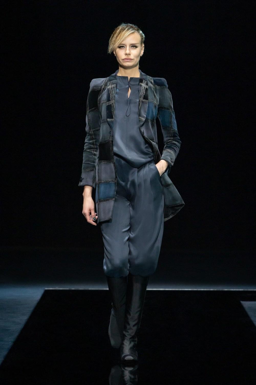 Armani: Giorgio Armani Fall Winter 2021-22 Fashion Show Photo #18