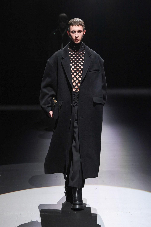 Valentino: Valentino Fall Winter 2021-22 Fashion Show Photo #54