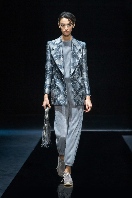 Armani: Giorgio Armani Fall Winter 2021-22 Fashion Show Photo #29