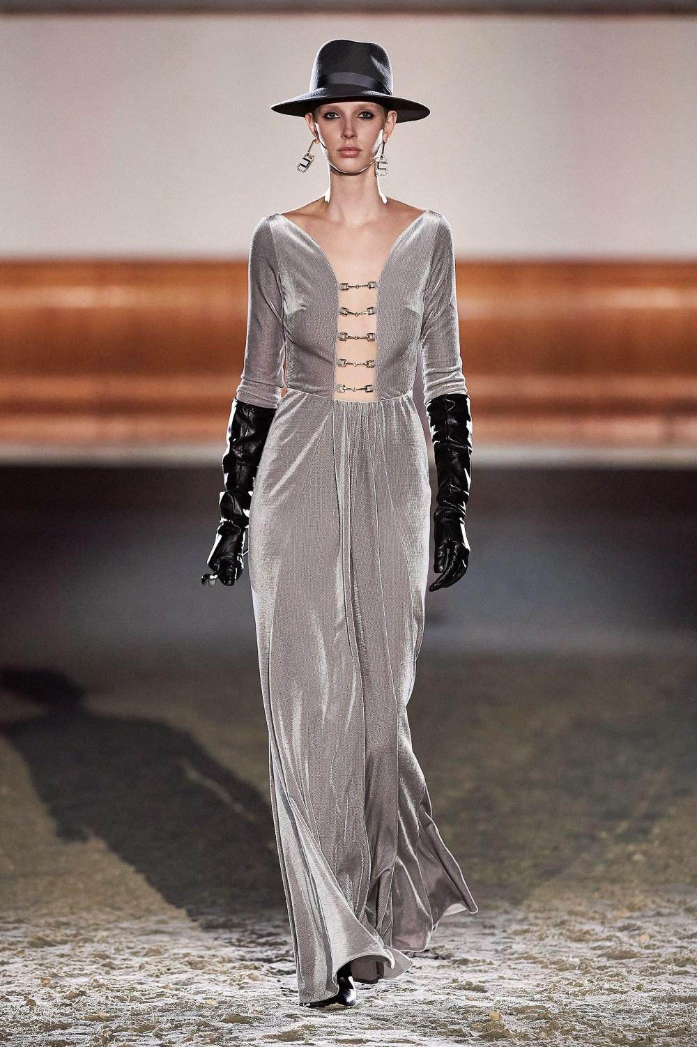 Elisabetta Franchi: Elisabetta Franchi Fall Winter 2021-22 Fashion Show Photo #34