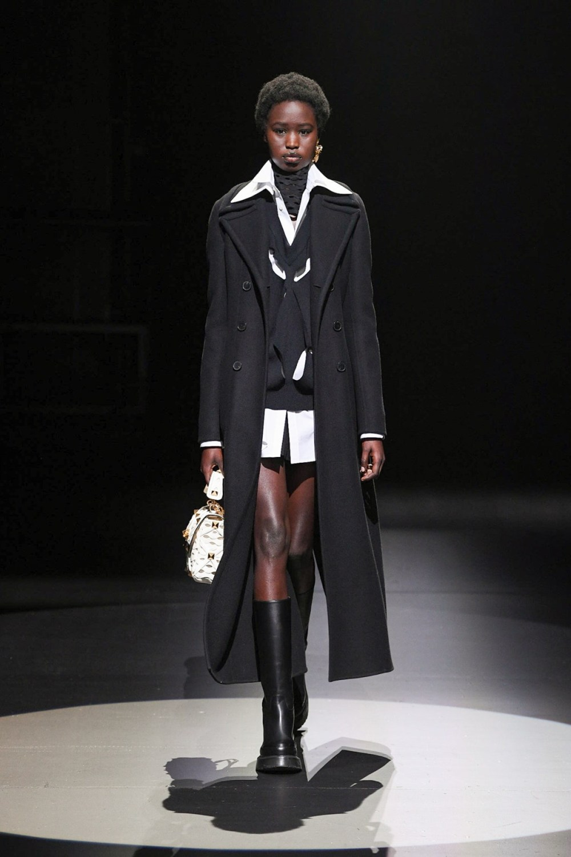 Valentino: Valentino Fall Winter 2021-22 Fashion Show Photo #13
