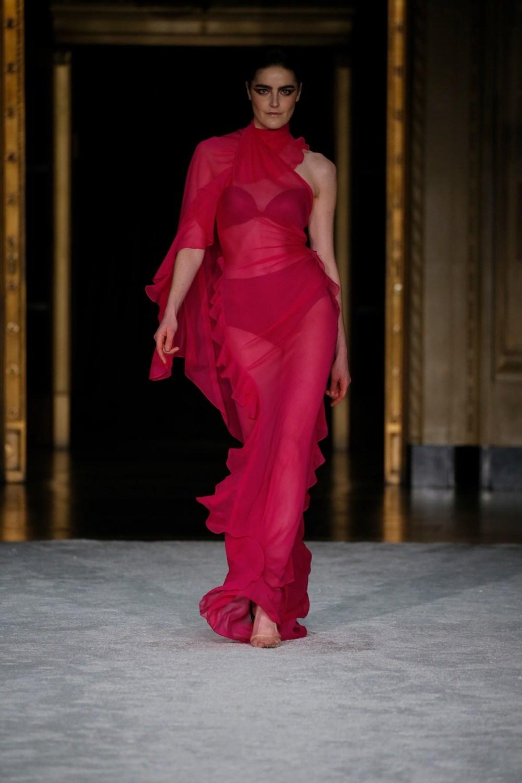 Christian Siriano: Christian Siriano Fall Winter 2021-22 Fashion Show Photo #34