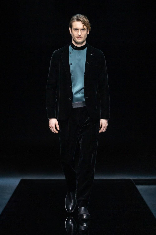 Armani: Giorgio Armani Fall Winter 2021-22 Fashion Show Photo #2