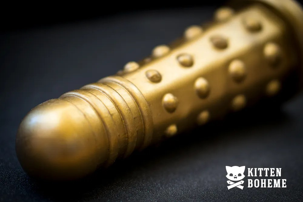 Geeky Sex Toys Doctor Screw Dildek Silicone Doctor Who Dalek Themed Gold Dildo Details of the Dildo Head