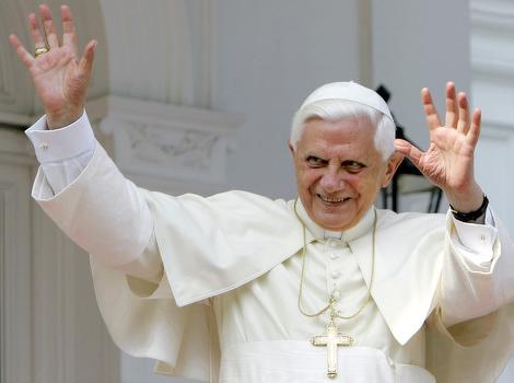 Benedict XVI razriješio dužnosti 400 svećenika zbog zlostavljanja djece
