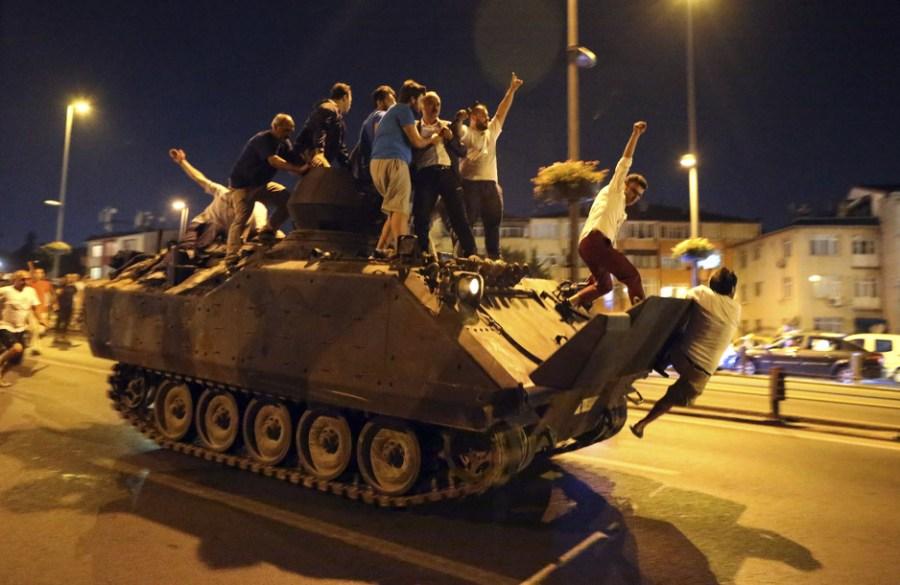 Pokušaj državnog udara u Turskoj (Foto: EPA)