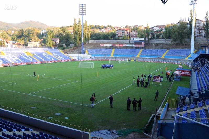 Nakon što je Bilino Polje suspendovano, Grbavica je uz dosta muke pritekla u pomoć. (Foto: Harun Muminović/Klix.ba)