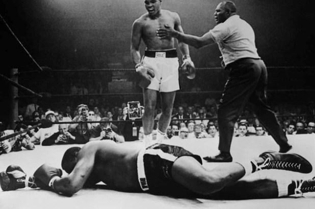 25.2.1964. u 22.-oj godini pobijedio je Sonyja Linstona i postao svjetski prvak u teškoj kateogoriji