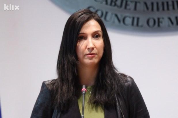 Aida Hadžialić je bivša ministrica za visoko i srednje obrazovanje u Vladi Kraljevine Švedske