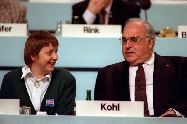 Zajedno s bivšim Helmutom Kohlom 1991.