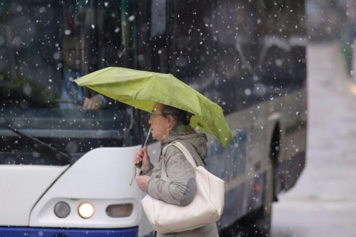 Snijeg i poledica na cestama u BiH, temperature danas ispod nule