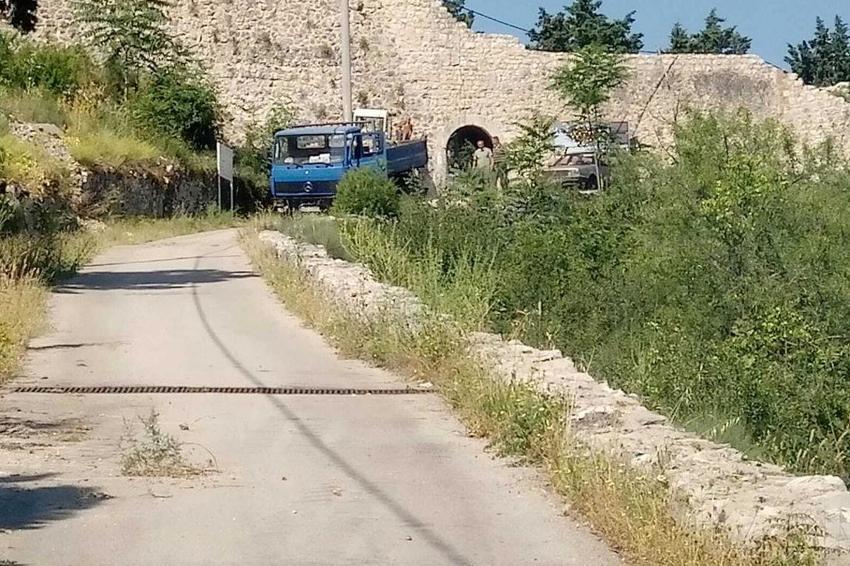 U Stocu nastavljeno obilježavanje teritorije: Niču križevi kod Starog grada