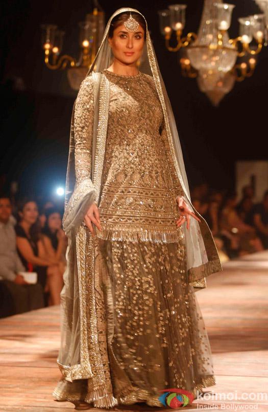 Image result for kareena kapoor lakme fashion week 2016