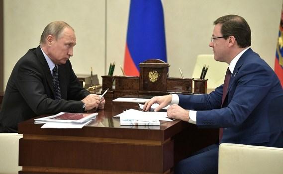Путин встретился с Азаровым