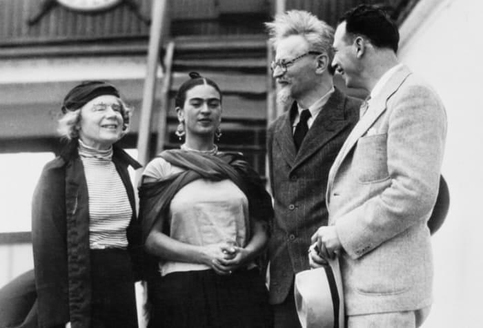 Наталья Седова, Фрида Кало, Лев Троцкий и Макс Шахтман, 1937. | Фото: abali.ru