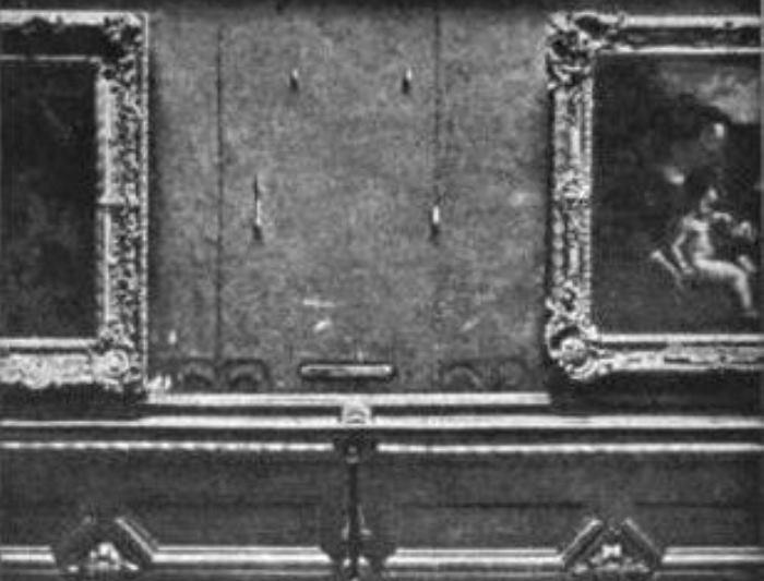 Место, где висела *Джоконда* в Лувре, 1911   Фото: zakonia.ru