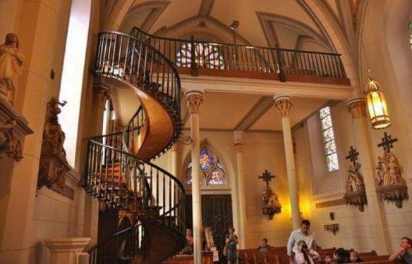 Неразгаданная тайна: «Винтовая лестница часовни Лоретто».