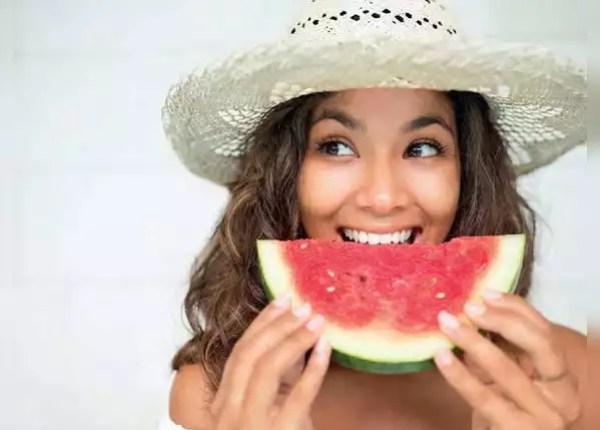 इस वक्त खाएं फल