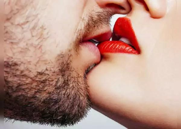 डीप किस से करें शुरआत
