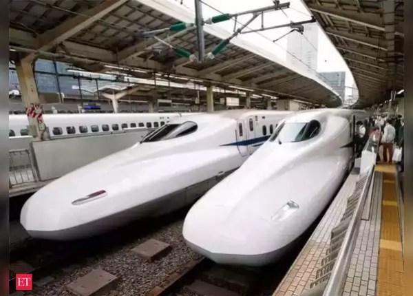 3- बेहतर रेल और हवाई नेटवर्क