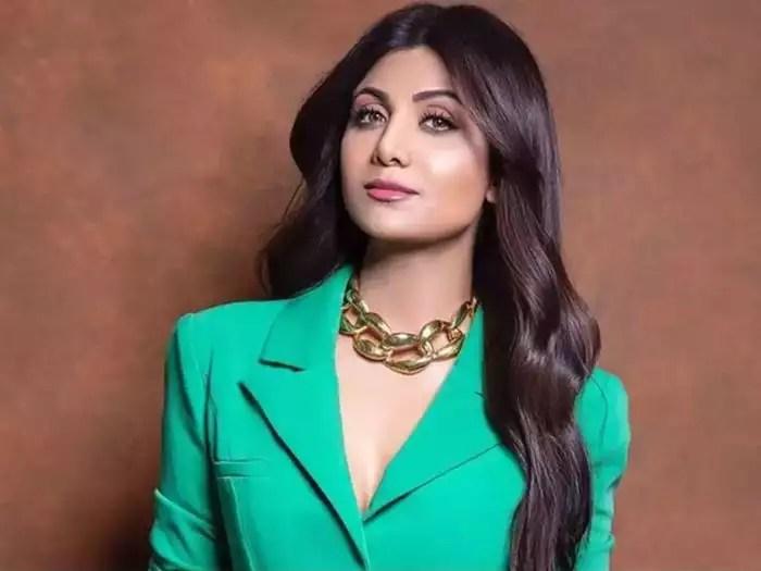 Shilpa Shetty Covid-19 Bollywood: Shilpa Shetty Family And Staff Members Test Positive For Covid 19: शिल्पा शेट्टी के पूरे परिवार और स्टाफ को हुआ कोरोना - Navbharat Times