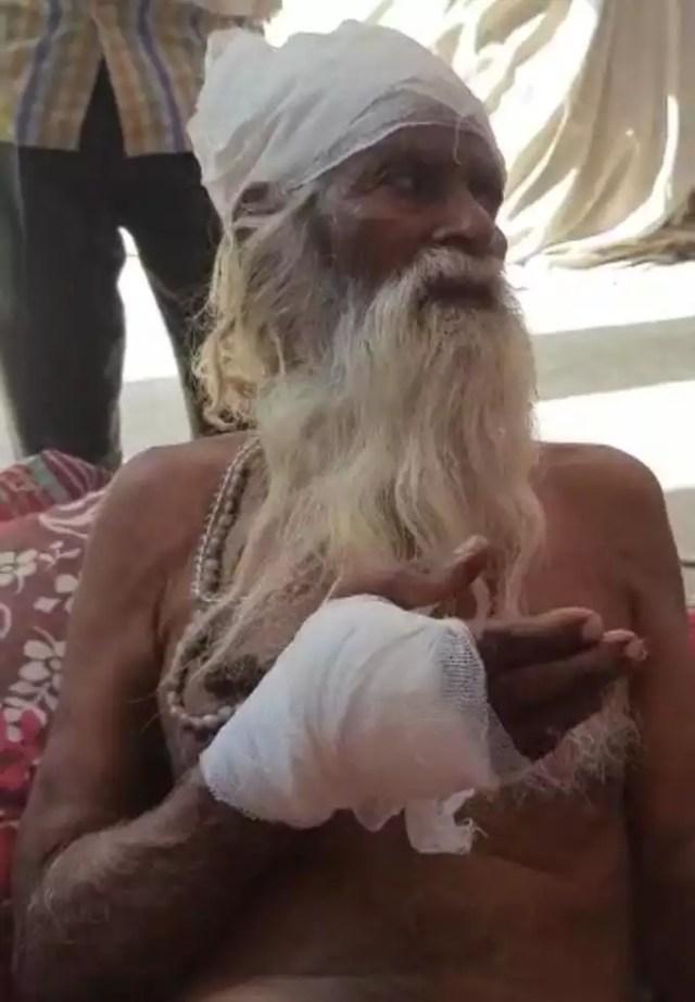 Crime in Aligarh: अलीगढ़ के आश्रम में बदमाशों का तांडव, तमंचे की बट से बुजुर्ग साधु को किया लहूलुहान, लूटपाट कर फरार