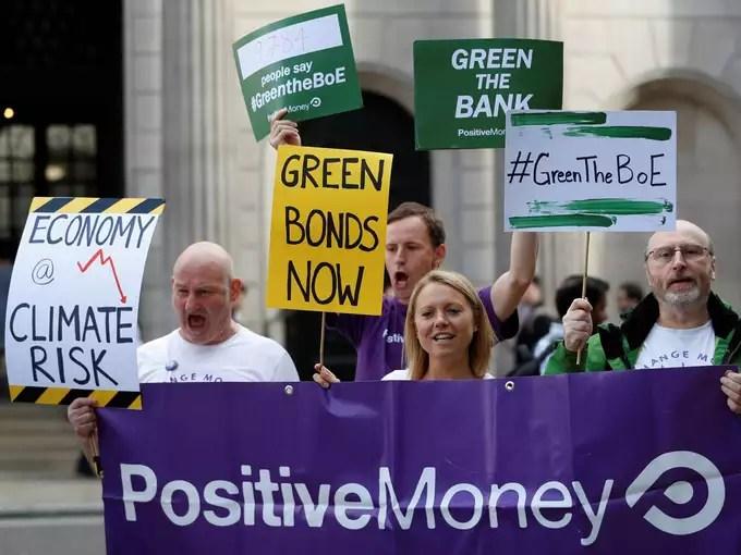 People demonstrate in Britain (Photo: Reuters/ Peter Nicholls)