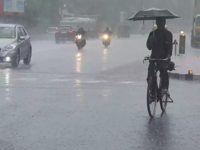 Delhi Rains: Rain broke the record of last 10 years in Delhi on the first day of August, Orange alert for Monday